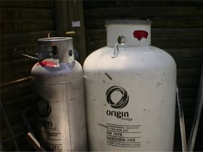 190kg and 45kg gas cylinders